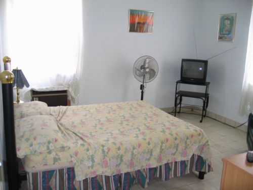 'Bedroom 3' is what you can see in this casa particular picture. Casas particulares are an alternative to hotels in Cuba. Check our website cuba-particular.com often for new casas.