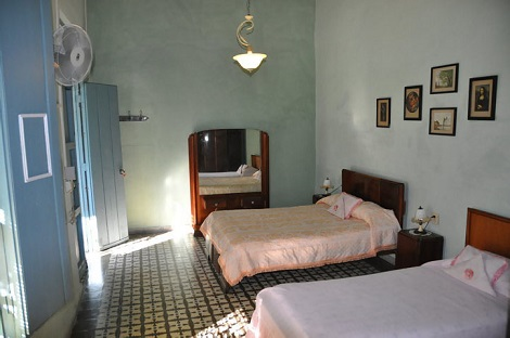 'Bedroom 1' is what you can see in this casa particular picture. Casas particulares are an alternative to hotels in Cuba. Check our website cuba-particular.com often for new casas.
