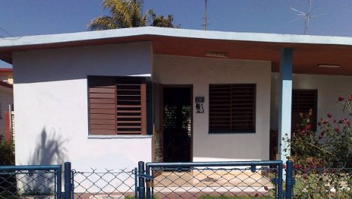 'House front' is what you can see in this casa particular picture. Casas particulares are an alternative to hotels in Cuba. Check our website cuba-particular.com often for new casas.