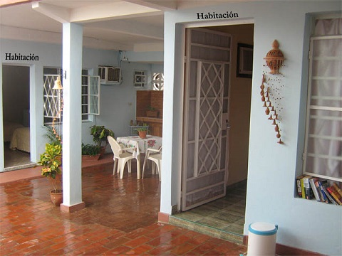 'Entrances of the bedrooms' is what you can see in this casa particular picture. Casas particulares are an alternative to hotels in Cuba. Check our website cuba-particular.com often for new casas.